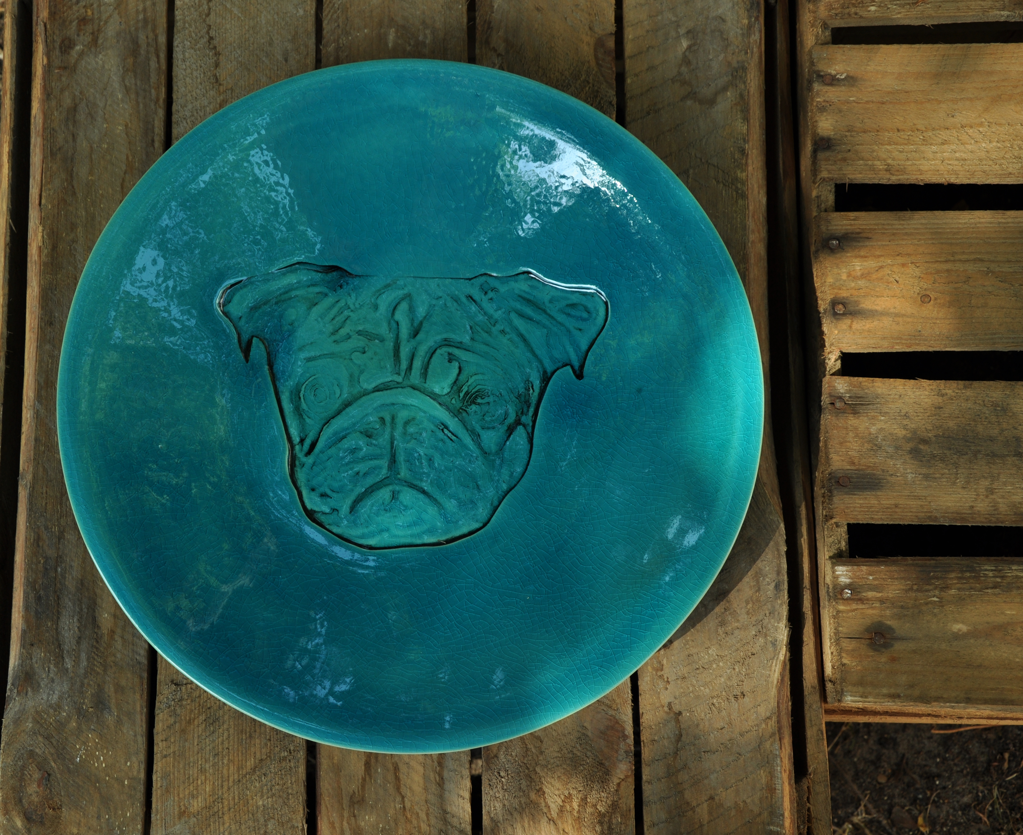 Ceramics dishes with pug – turquoise crackle